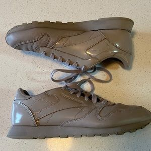 Redbox Classic Sneakers